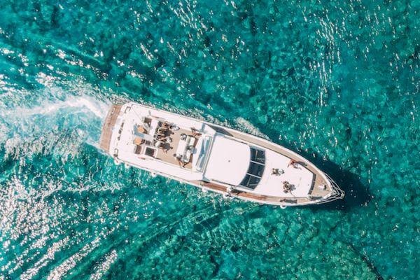 Luxury yacht to Chrissi Island